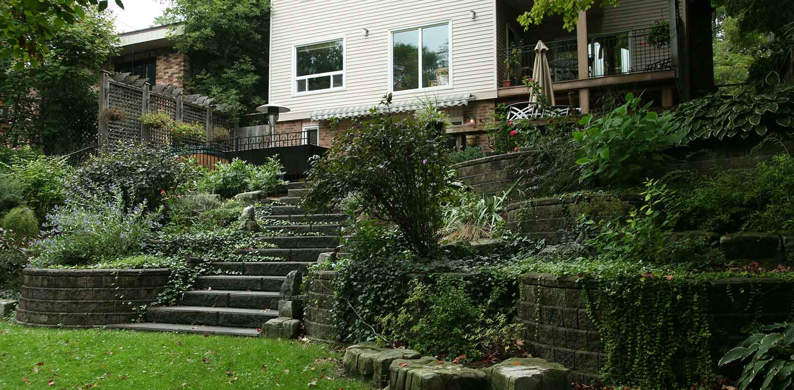 landscaping walls and steps